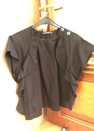 Siyah kısa kollu yakasız gömlek