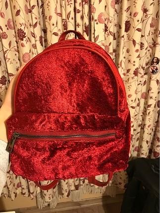 kırmızı kadife çanta