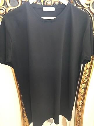 Siyah penye tşört