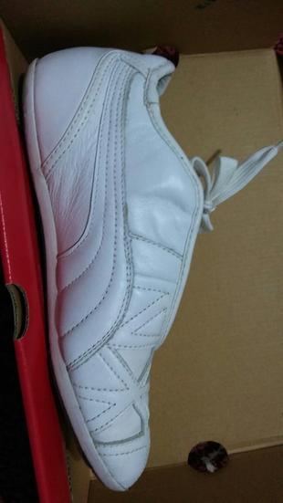 37 Beden beyaz Renk spor ayakkabı puma