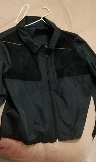 siyah yağmurluk