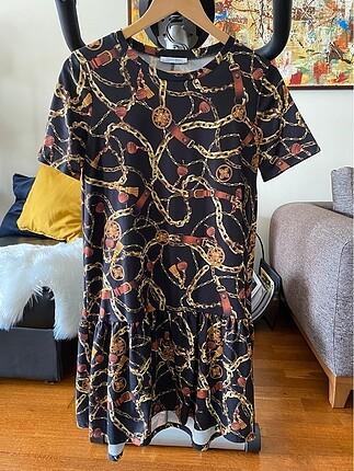Zara zlncir desenli elbise