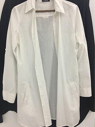Pamuklu beyaz gömlek
