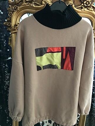 m Beden Boğazlı sweatshirt