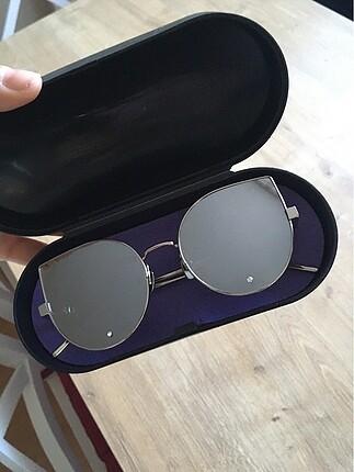 Tasarım güneş gözlüğü