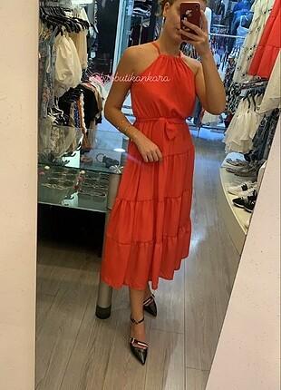 Kırmızı Uzun Elbise