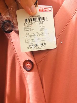 xl Beden pembe Renk Tesettüre geçtiğim için alıp hiç giymediğim güzel elbisem sıfırd
