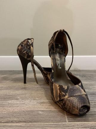 Yılan Derisi Ayakkabı