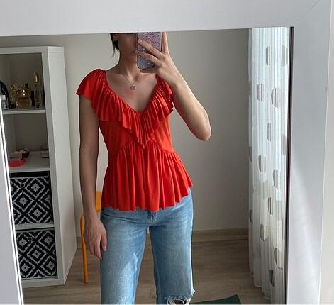 Zara bluz ve trendyolmilla bluz ikisi birlikte ikiside hiç giyil