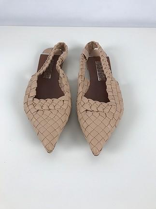 Sivri Burun Sandalet