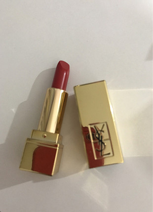 Ysl 01 rouge pur couture
