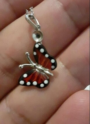 Kelebek kolye