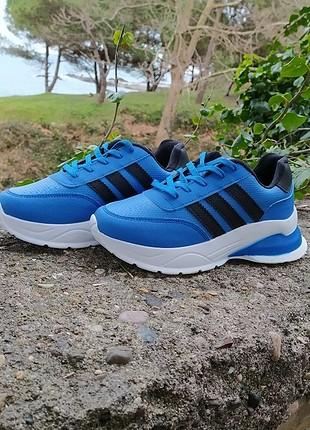 Adidas mavi