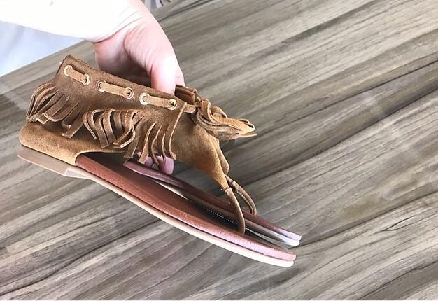 parmak arası sandalet