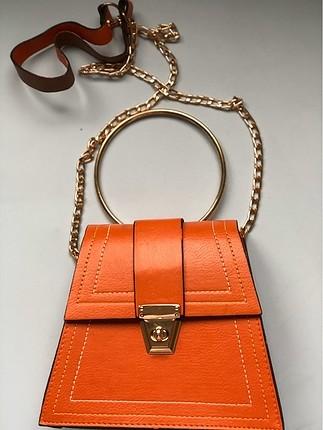 Zara Üçgen çanta