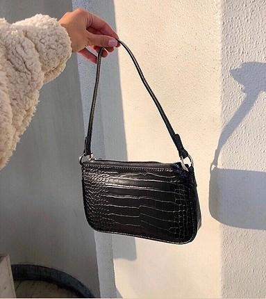 Hiç kullanılmamıştır. Siyah çanta