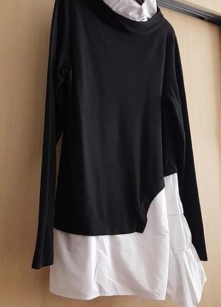 Siyah , beyaz detayli tunik