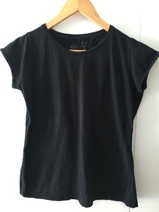 Siyah tshirt