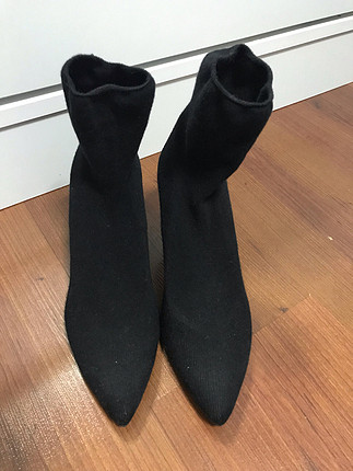 Bershka Siyah çorap bot