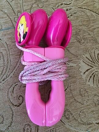 Barbieli ip atlama oyuncağı