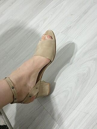 39 Beden Ten renk sandalet