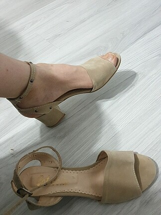 39 Beden ten rengi Renk Ten renk sandalet