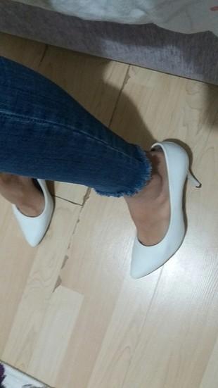 Beyaz stiletto