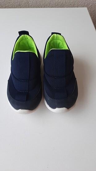Super rahat bir spor ayakkabi
