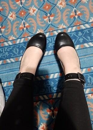 38 Beden Dolgu topuklu siyah deri ayakkabı