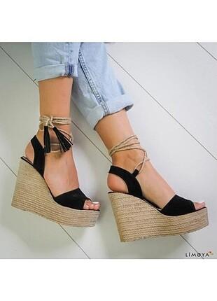 Hasır dolgu topuk ayakkabı
