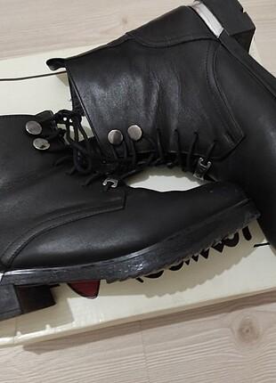 38 Beden siyah Renk Yarım bot