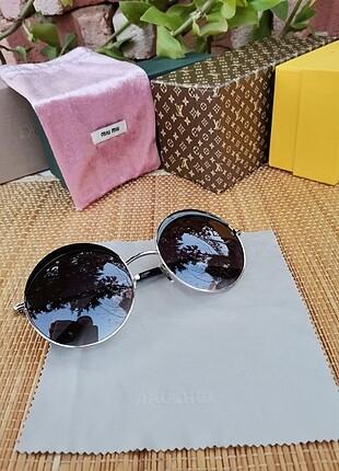 Beden siyah Renk Miu miu güneş gözlüğü