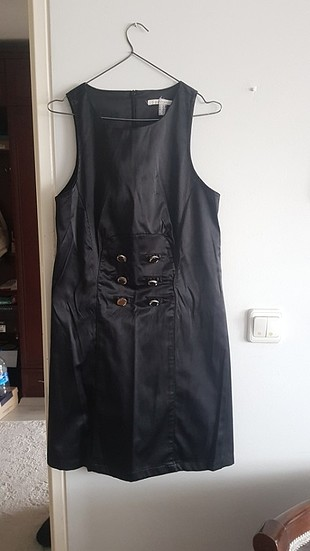 Siyah saten mini elbise