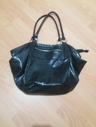 siyah renk çanta