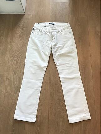 Beyaz ince pantolon