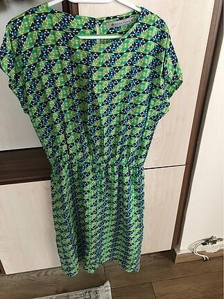 Mavi yeşil desenli kısa kollu elbise 40 beden rahat kesim yazlık