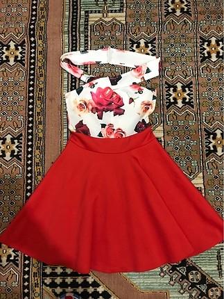 Mini çiçekli elbise