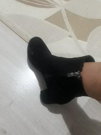Bot siyah güzel