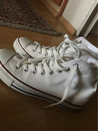 Bilekli beyaz converse