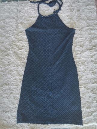 boyundan bagli elbise