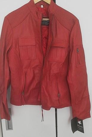 etiketli deri ceket