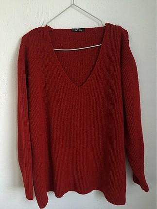 Kırmızı v yaka kazak
