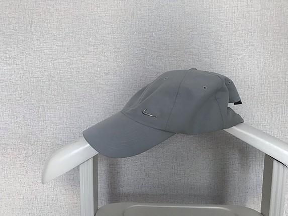 Spor şapka.