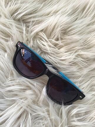 Rayban güneş gözlüğü