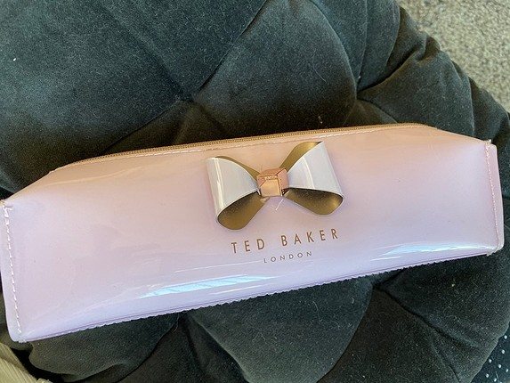 TED BAKER makyaj çantası