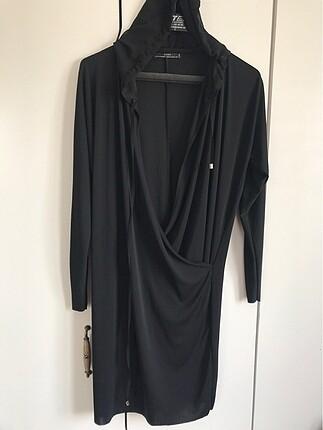 zara kapişonlu elbise