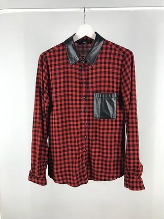 Deri Detaylı Kareli Gömlek