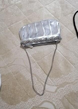 El çantası şık boncuklu