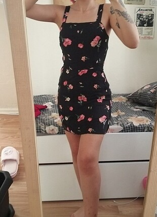 Çiçekli mini elbise