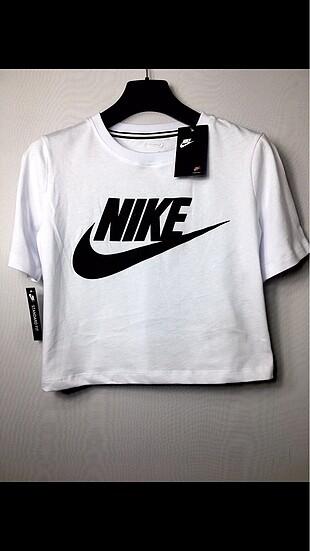 NİKE T-Shirt